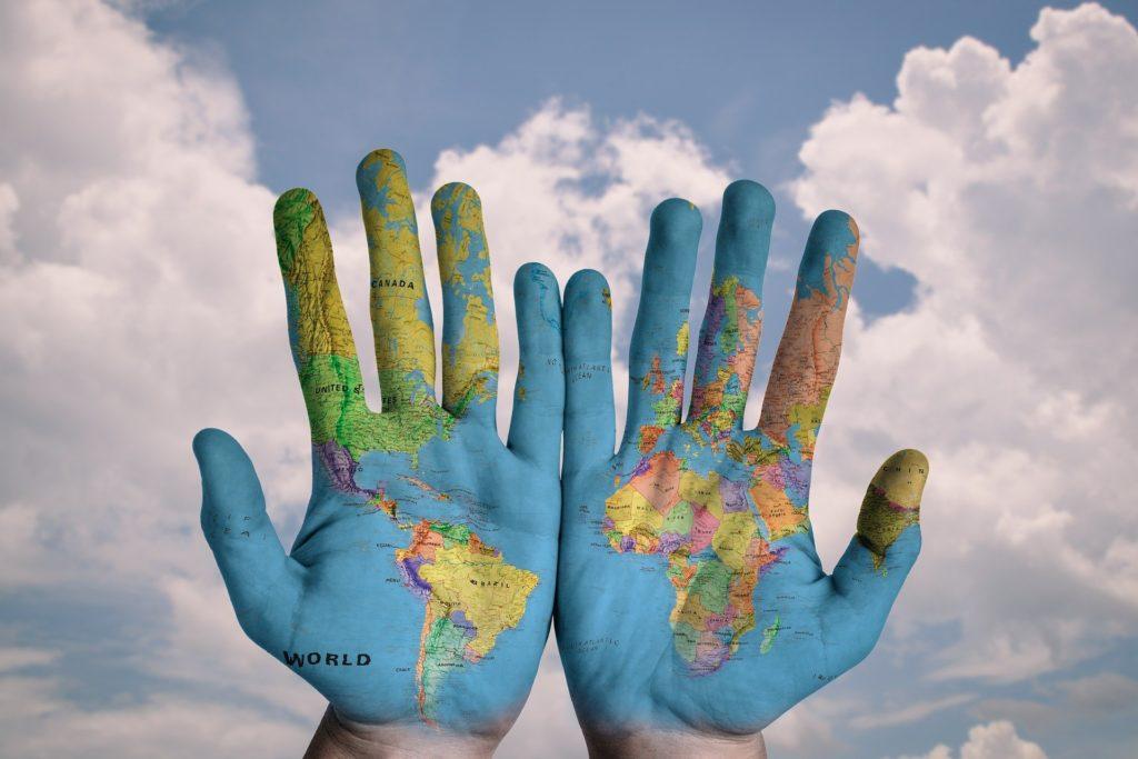 世界地図が手のひらに